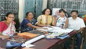 आईपीएसनेबेटी का दाखिला करायासरकारी स्कूल में
