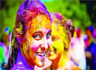 एग्जिमा या अस्थमा है तो सावधानी से खेलें रंग