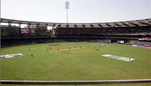 मुंबई वनडे भारत ने टॉस जीतकरबल्लेबाजी का फैसला किया