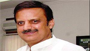मध्यप्रदेश के उद्योग मंत्री ने दीफ्लांइग ऑफिसर अवनी चतुर्वेदी कोबधाई