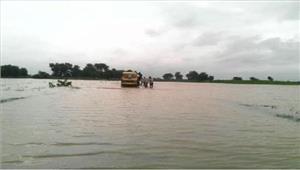 बाढ़ का कहर जारी 400 गांव पानी से घिरे