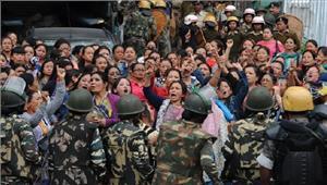 दार्जिलिंग में सुरक्षा बलों को हटाने के लिए पोस्टर लगाए गए