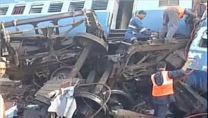 आंध्र प्रदेश  हीराखंड एक्सप्रेस बेपटरी हुई 27 की मौत 50 से अधिक घायल