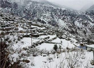 जम्मू एवं कश्मीर में बदली छाई, तापमान में हुआ सुधार