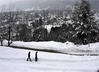 जम्मू एवं कश्मीर में बादल छाए रहने के कारण न्यूनतम तापमान में सुधार