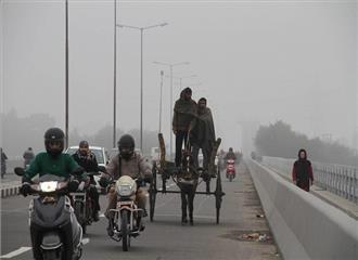 कश्मीर:दिन में धूप खिलने से ठंड से राहत