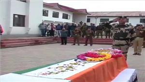 बड़गामचरार-ए-शरीफ दरगाह के पास हुए हमले मेंपुलिसकर्मी शहीद