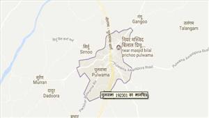 पुलवामाआतंकवादियों ने पुलिस अधिकारी के घर कीतोड़फोड़