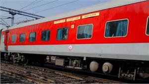 बुलेट ट्रेन की सौगात के बीच पटरी से उतरी राजधानी एक्सप्रेसकोई हताहत नहीं