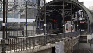 जनकपुरी वेस्ट में मेट्रो ट्रैक पर गिरने से शख्स की मौत