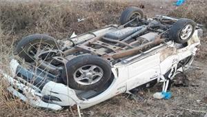 कर्नाटककमाकरट्टी पुलपर कार पलटने से 2की मौत