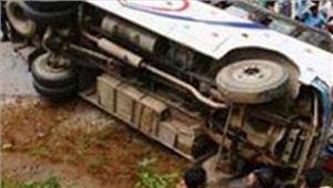 कर्नाटक में अलग-अलग सड़क हादसों में 13 लोगों की मौत