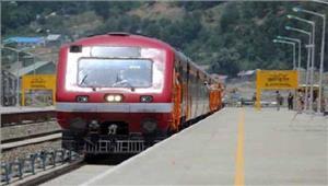 2 दिनों तकबाधित रही रेल सेवा फिर से शुरू