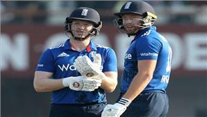 कोलकातावनडे मेंइंग्लैंड ने भारत को दी 321 रनों की चुनौती
