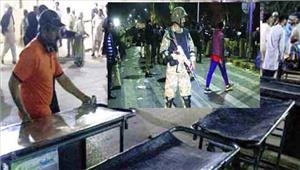 पाकिस्तान के सूफी दरगाह में आत्मघाती विस्फोट 100 मरे 250 जख्मी