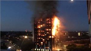 लंदन27 मंजिला इमारत में भीषण आगदमकल कीगाड़ियां मौके पर