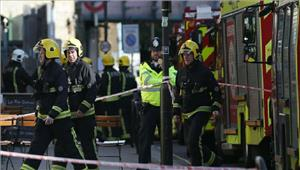 लंदन मेट्रो में विस्फोट के बाद हमलावर की तलाश जारी
