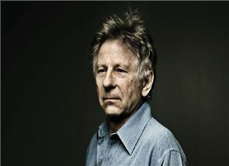 40 साल से चल रहा फिल्मकार पर  दुष्कर्म का मामला