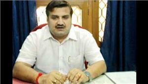 विधायक अमरपाल शर्मा बसपा से निष्कासित