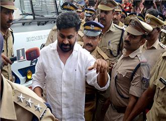 केरल की अदालत ने अभिनेता दिलीप के खिलाफ आरोपपत्र स्वीकार किया
