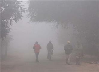 दिल्ली में ठंड बरकरार,तापमान6.4 डिग्री सेल्सियस दर्ज