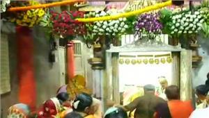 झांसीविभिन्न मंदिरों मेंभक्तों की उमड़ी भीड़