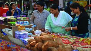 नवरात्र शुरू होते ही चढ़ गया बाजार का भाव