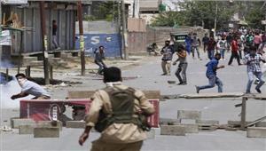 उत्तरी कश्मीर के हाजिन में सुरक्षा बलों और प्रदर्शनकारियों के बीच झड़पें