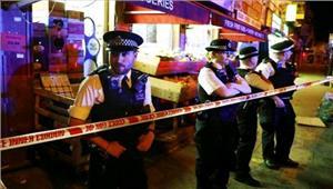 लंदनवैन ने मारी राहगीरों को टक्कर 1की मौत 10 घायल