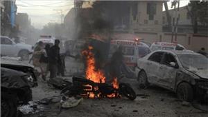 पाकिस्तान बाजार में 2 विस्फोटमें 15मरे70 घायल