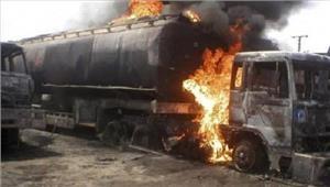 पाकिस्तान तेल से भरे टैंकर में विस्फोट123 की मौत