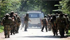 पुलवामा में वायु सेना स्टेशन पर हमला गार्ड पर फायरिंग