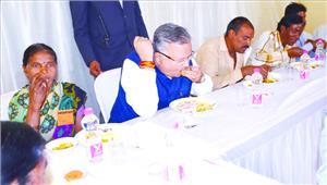 पांच रुपए में मजदूरों को मिलेगा भरपूर भोजन टिफिन में भी ले जाने की सुविधा