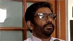 रवींद्र गायकवाड़ नेएयर इंडिया के कर्मचारी के साथ मारपीट की