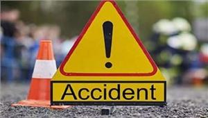 सड़क दुर्घटना में ट्रक चालक समेत तीन मरे