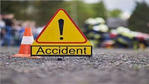 सड़क हादसे में 12 लोग घायल