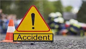 उत्तर प्रदेश सड़क दुर्घटना में तीन की मौत छह घायल