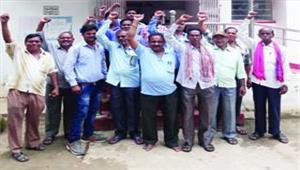 ग्रामीण डाकसेवक 4 सूत्रीय मांगों को लेकर  हड़ताल पर