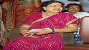 पार्टी सचिव ने शशिकला से किया मुख्यमंत्री पद संभालने का आग्रह