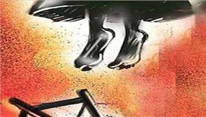 छात्रा ने फांसी लगाकर आत्महत्या की