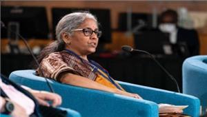 रक्षा मंत्री सीतारमण नेजवानों संग मनाई दिवाली