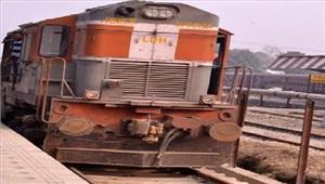 तमिलनाडु क्रॉसिंग पर ट्रैक्टर ट्रॉली सेटकराईट्रेन