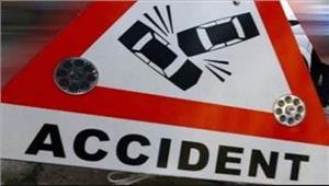 बलिया कोहरे की वजह सेटेम्पो- ट्रैक्टर-ट्राली की भिड़ंत में नौ लोग घायल