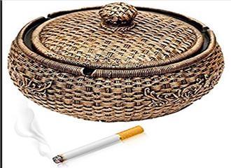 सिगरेट बुझाने के लिए भी स्त्री