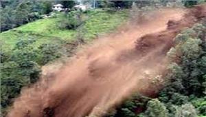 त्रिपुराभूस्खलन से 5 की मौत बाढ़ से 2हजार लोग बेघर