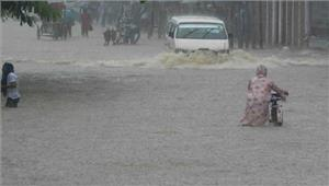 त्रिपुरा मेंबारिश के कारण बाढ़ से जनजीवनअस्त-व्यस्त