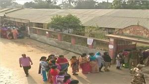 सात मतदान केन्द्रों परसिर्फ महिला कर्मचारियों कोलगाया गया