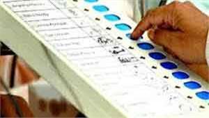 एक पुरुष के बाद दो महिला कर सकेंगी मतदान