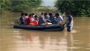 उप्र बाढ़ से 40 से अधिक लोगों कीमौत