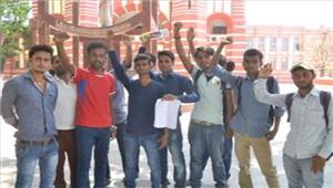 उप्र  विहिप का हंगामाकश्मीरी छात्रों के निष्कासन की मांग को लेकर